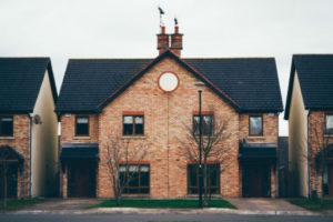zakup domu na podstawie umowy deweloperskiej